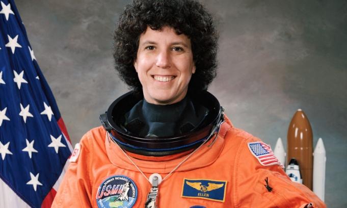 mujer-astronauta-parabuenosaires.com