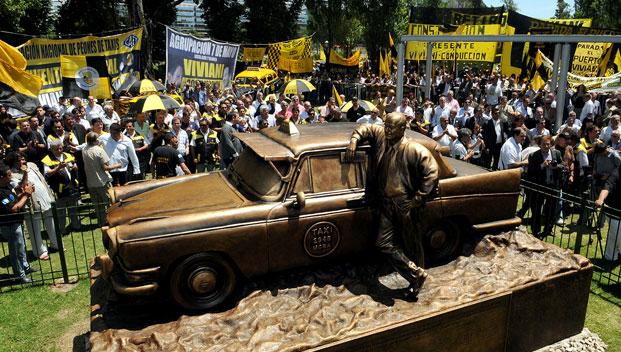 monumento-taxi-parabuenosaires