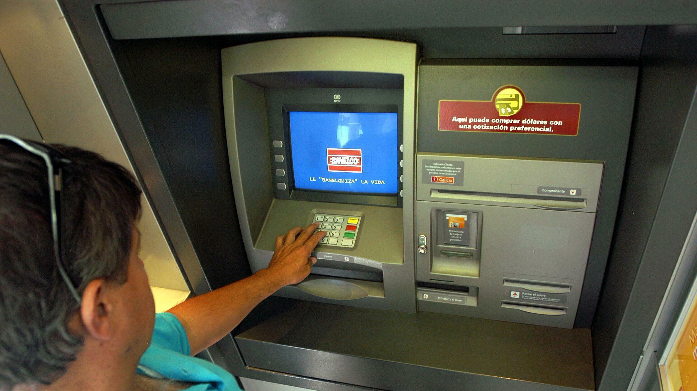 Operativo especial para que no falte dinero en los cajeros durante las fiestas noticias de for Dinero maximo cajero