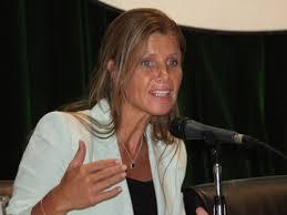 Cynthia Hotton  1