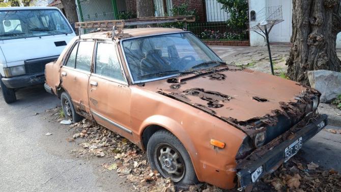 Fotos MGP - Inspeccion General - Retiro de autos abandonados en la via publica 4