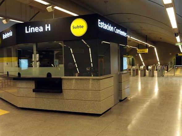 Subtes-linea_H-estacion_Corrientes_CLAIMA20101110_0195_7
