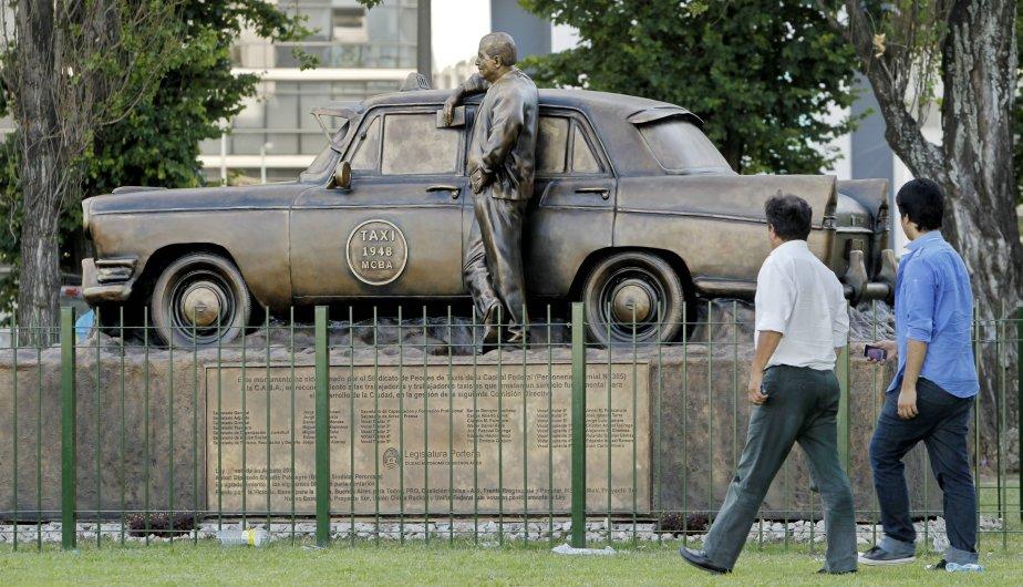 monumento taxi4