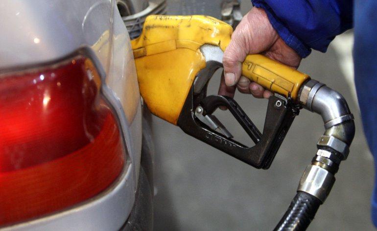 Tras el aumento de ayer, las naftas volverían a subir en octubre