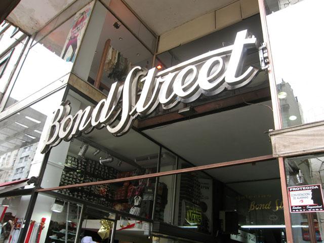 Tatuadores De La Famosa Galería Bond Street Fueron Multados