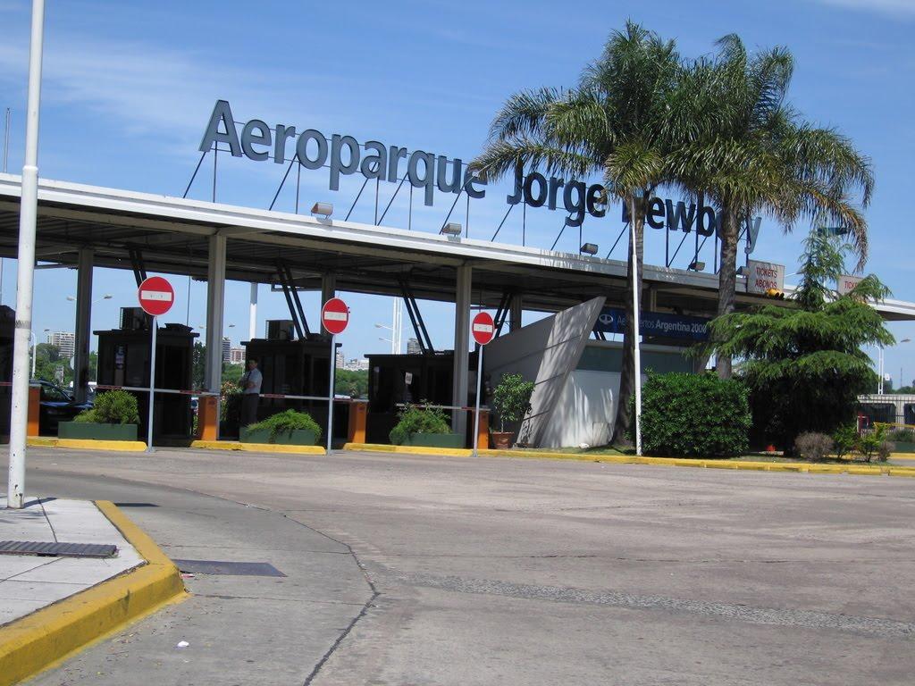 Aeroparque deja de operar vuelos regionales y se trasladan a Ezeiza