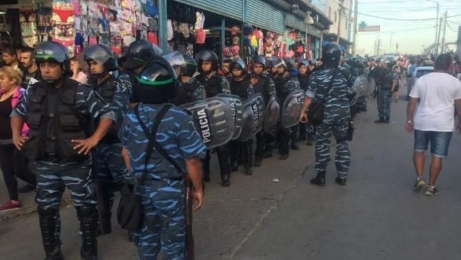 Megaoperativo en La Salada: 500 allanamientos y 2000 policías