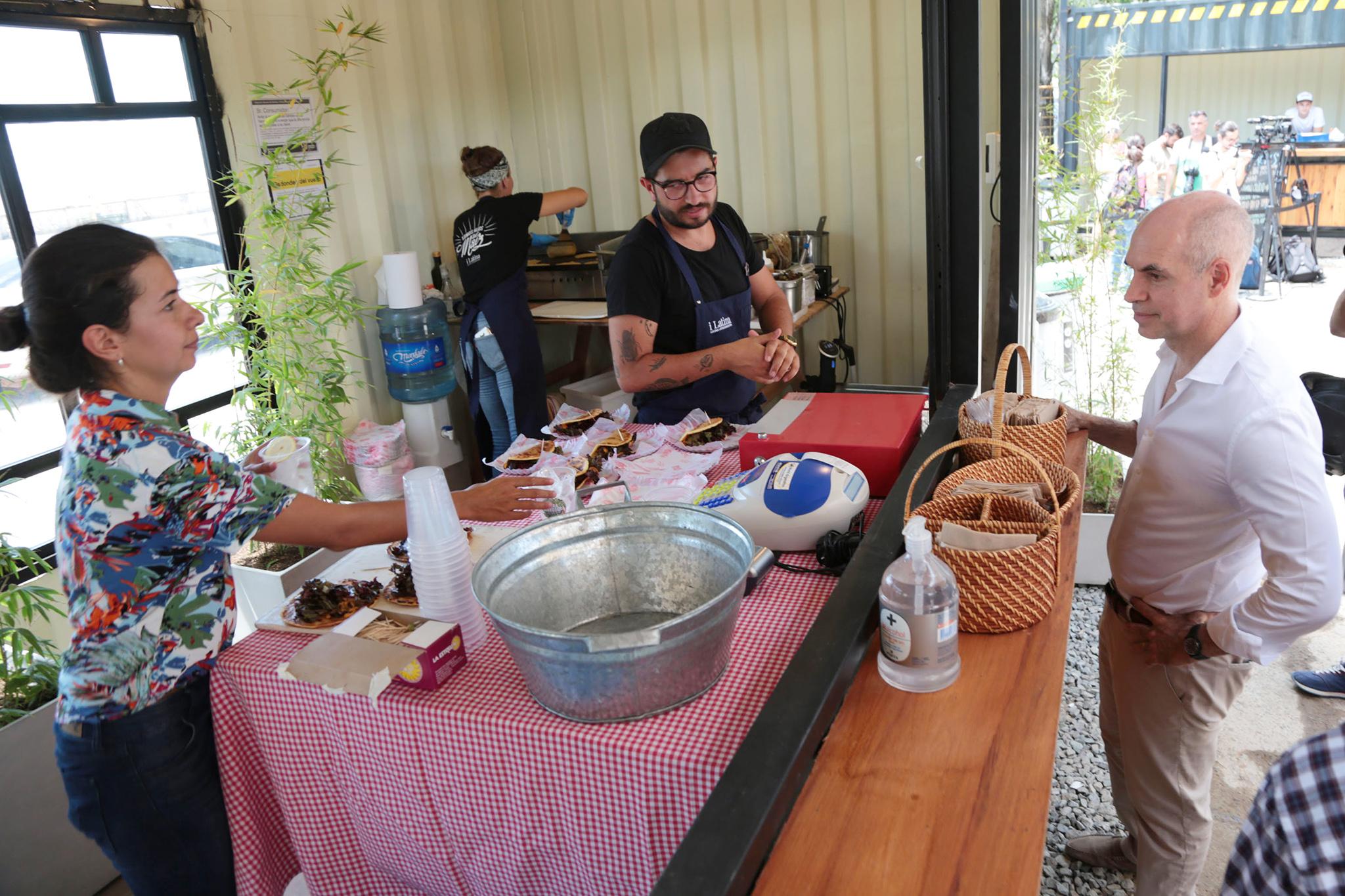Patio grastronómico Costanera Norte (3)