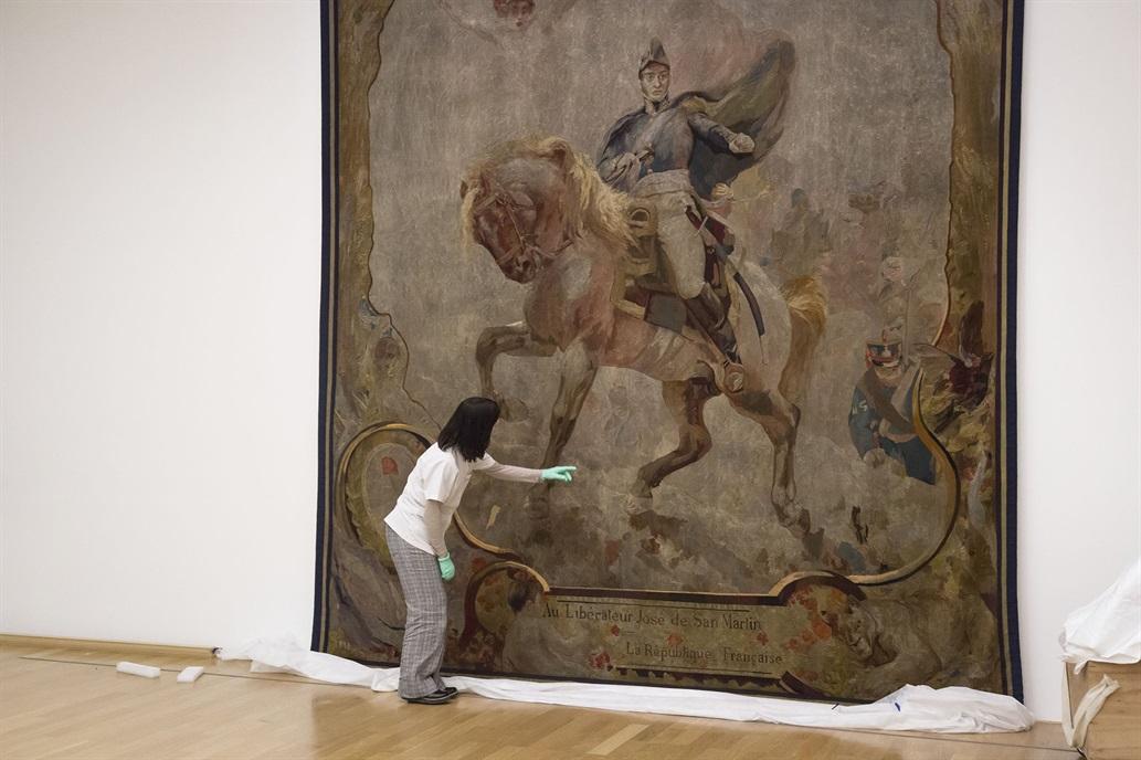 Resultado de imagen para Restauración del El tapiz del General San Martín: