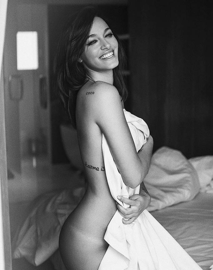 La Infartante Producción De Oriana Sabatini Completamente Desnuda En